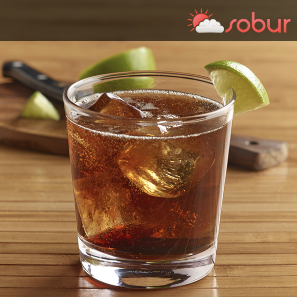 rum and cola cocktail